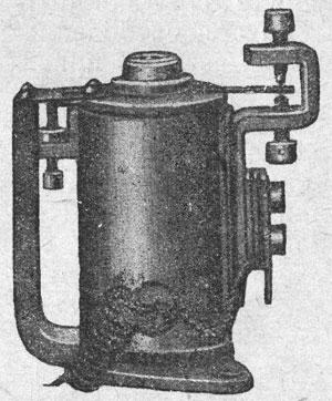 Рисунок 17. Поляризованное реле фирмы Сименс и Гальске (Siemens & Halske).