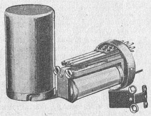 Рисунок 4. Другой тип пружинного реле фирмы Сименс и Гальске (Siemens & Halske).