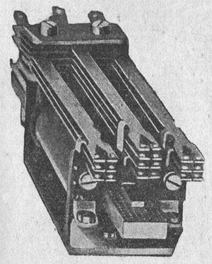 Рисунок 7. Реле фирмы Сименс и Гальске (Siemens & Halske) плоского типа.