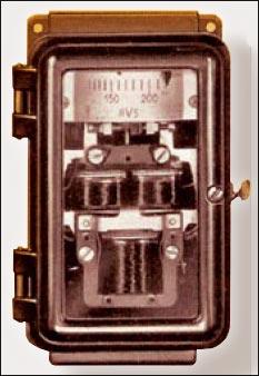 Рисунок 1. Реле повышения напряжения типа RV5, (Siemens, 1936)