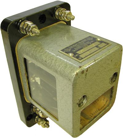 Аварийное реле типа АРП-110 1962 года выпуска. Производитель Ленинградский Электротехнический завод (ЛЭТЗ)
