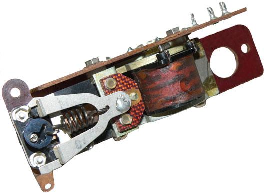 Реле автовыключателя из прибора электроизмерительного комбинированного типа Ф4313  выпущенного в 1978 году.
