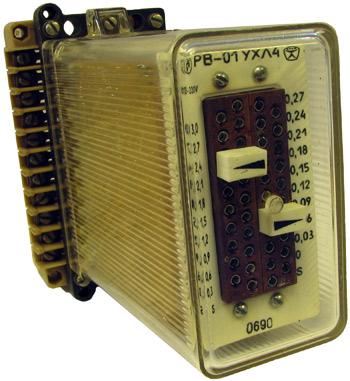 Полупроводниковое реле времени типа РВ-01 производства ЧЭАЗ, год выпуска 1990