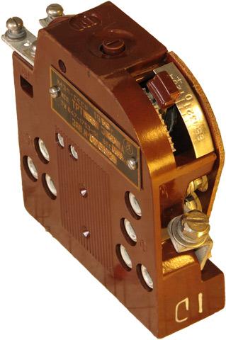 Реле тока электротепловое ТРТ-136 1959 г.в. производства Чебоксарского Электроаппаратного завода (ЧЭАЗ)
